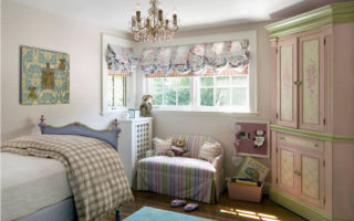 Австрийские шторы: отличная находка для украшения детской спальни