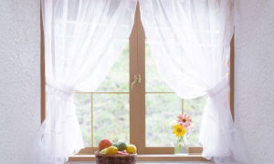 Короткий тюль на кухню: преимущества, стили, материалы