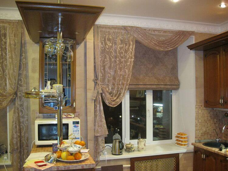 Римские шторы на кухню13