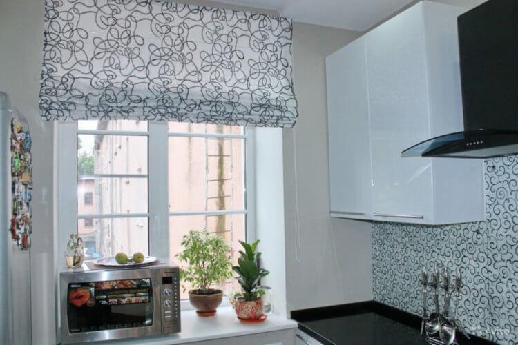 Римские шторы на кухню14