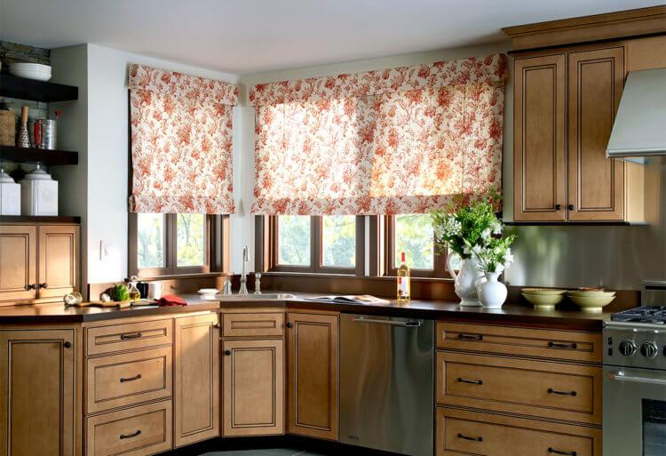Римские шторы на кухню15