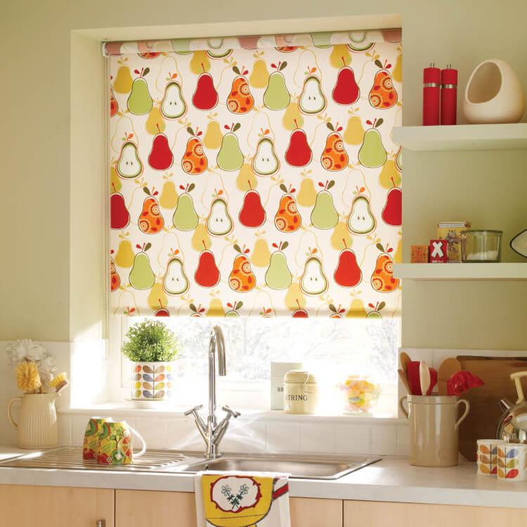 рулонные шторы на кухню5