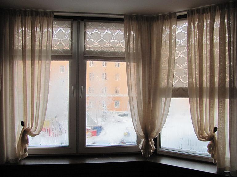 Римские шторы в сочетание с классическими