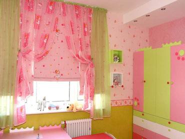 розовые рулонные шторы для девочки