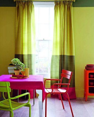 Для кухни популярны сочные оттенки зелени в сочетании с цветом фуксии