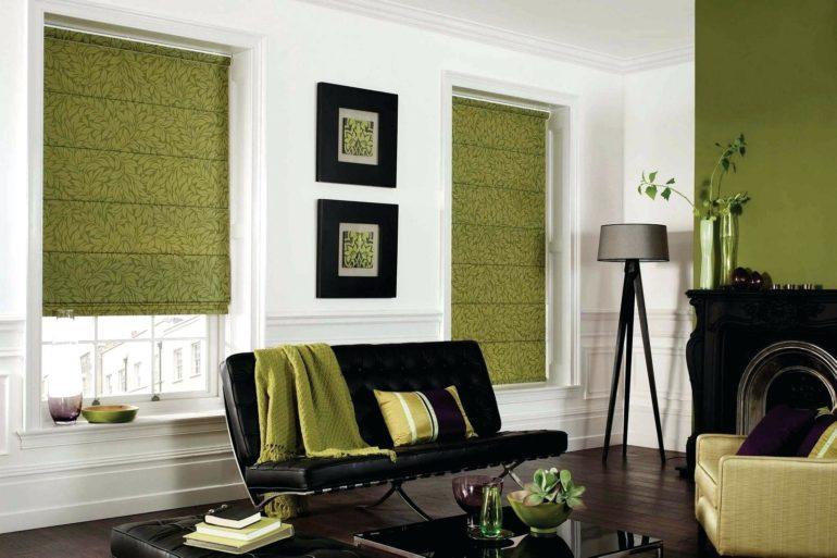 Плотные римские шторы с растительным орнаментом для гостиной