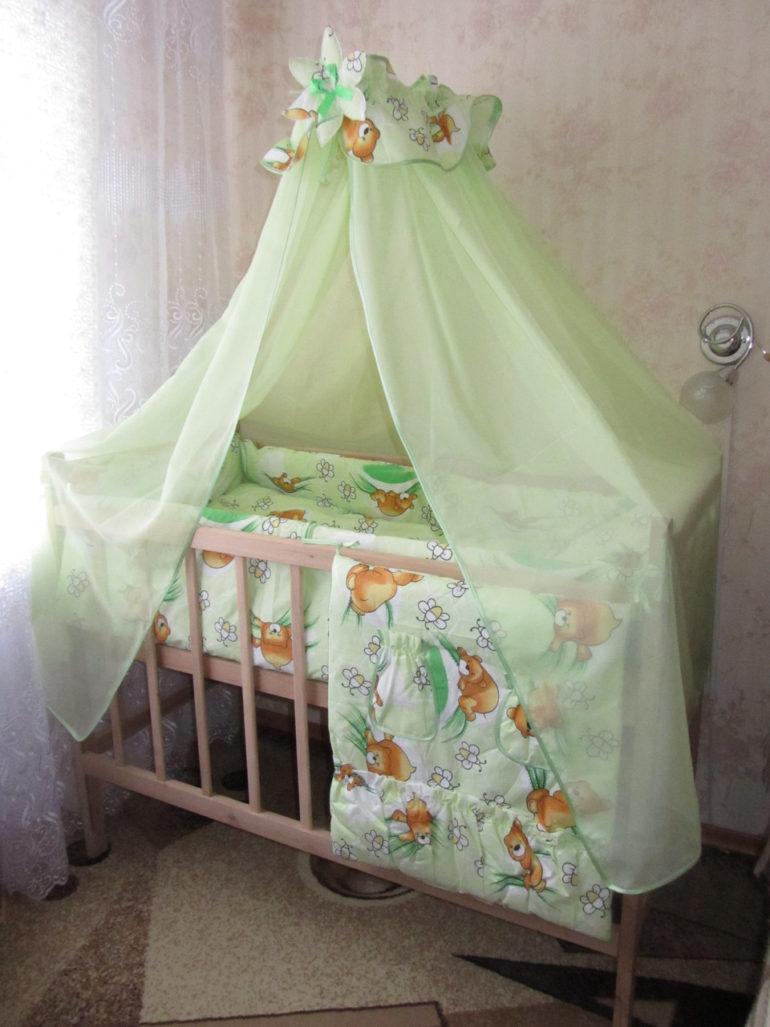 Зеленые оттенки всегда хорошо действуют на психику ребенку и способствуют здоровому и крепкому сну
