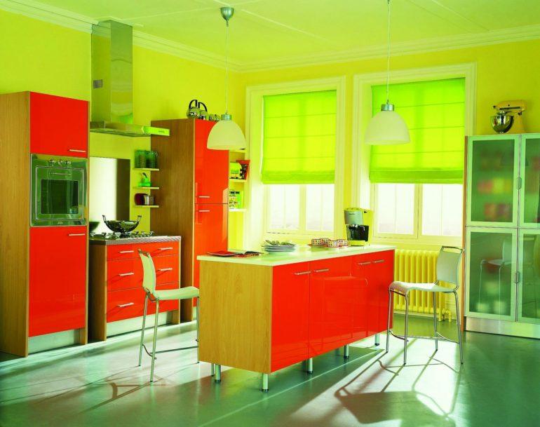 Римские шторы на кухню цвета лайма