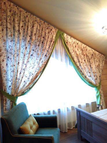 широкме портьеры для залы в стиле прованс