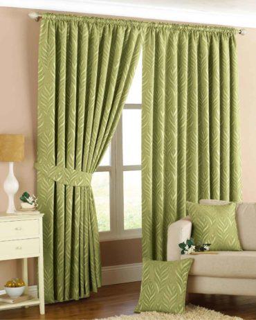 сочетание шторного текстиля с другим декором комнаты