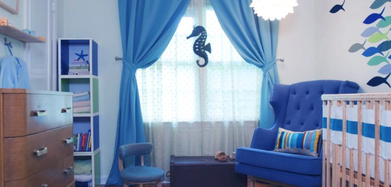 Для спальни новорожденного голубые портьеры лучший выбор