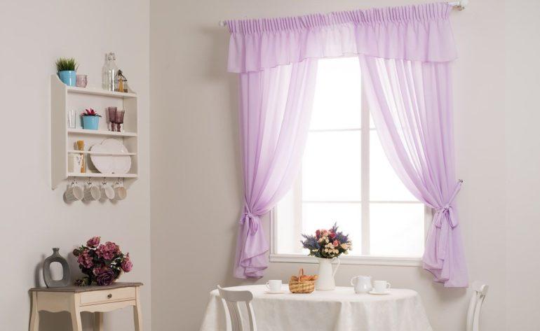 Лавандовые оттенки и легкие ткани передают по-настоящему романтичный дух прованса