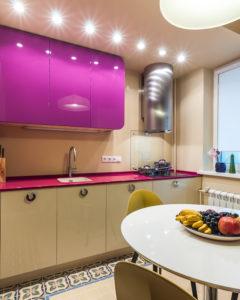 пурпурный навесной шкаф