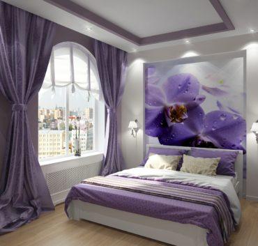 картина с орхидеями на стене