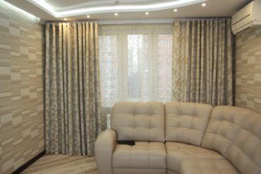 кожаный кремовый диван