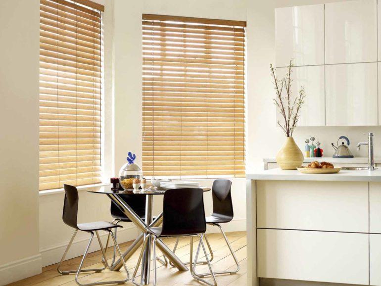 Благодаря своему натуральному происхождению деревянные жалюзи способствуют хорошей циркуляции воздуха в помещении