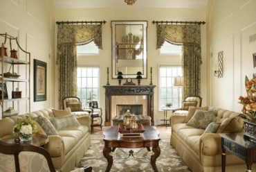 старинная мебель в гостиной