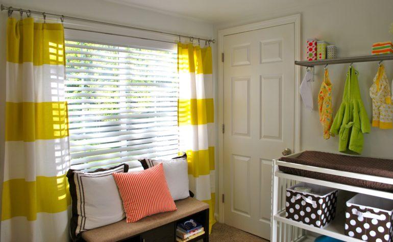 Широкие полосы увеличивают окно в высоту, а яркие контрасты приковывают даже самые равнодушные взгляды