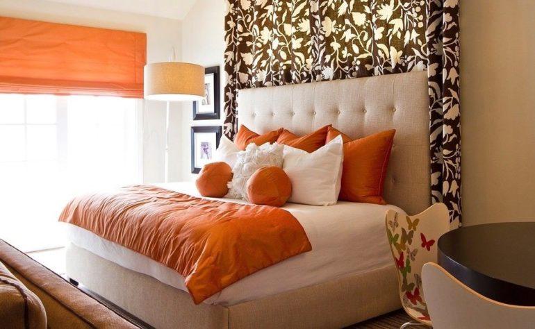 В применении оранжевого цвета в интерьере избегайте других ярких тонов