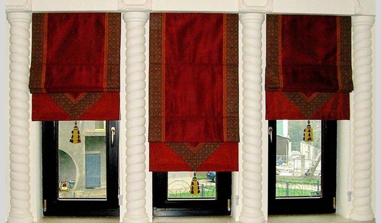 Хоть и бархат весьма капризная ткань, но для создания роскошных римских штор в восточном стиле ей нет конкурентов