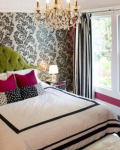 Зеленая обитая спинка кровати