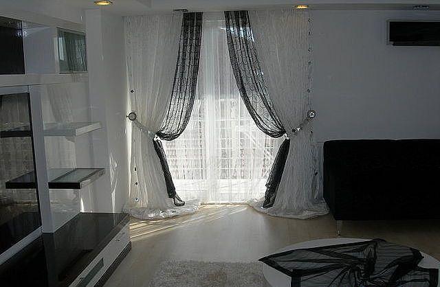 черная прозрачная скатерть