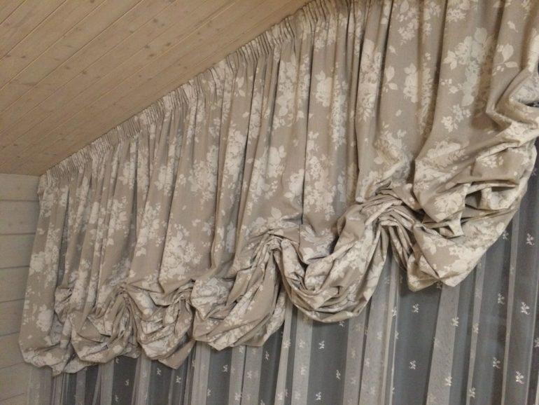 Холодный серый тон сделает комнату свежей и пребывание в ней комфортным