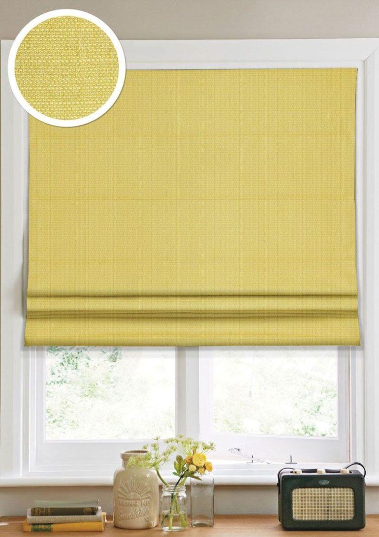 Римские шторы из качественного плотного габардина хорошо защитят от света, а полиэстровые добавки продлят срок их службы