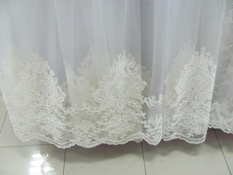 Белое свадебное кружево