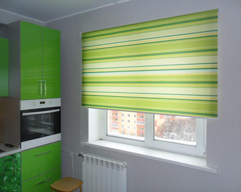 Оттенки зелени всегда освежают комнату, и особенно полезно это для жаркой кухни