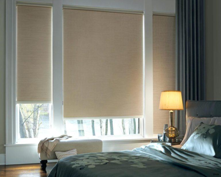 В спальне лучше использовать преимущественно спокойные монохромные гаммы - пастельные и глубокие насыщенные цвета