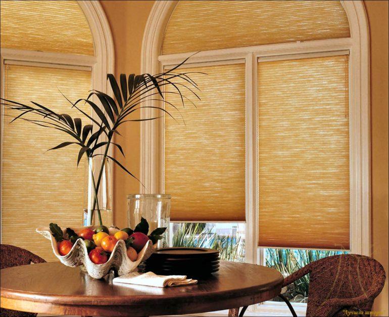 Бамбуковые ролеты это нетрадиционный способ украшения окна, более того они добавят вашему дому неповторимую экзотику и ощущение летнего отдыха