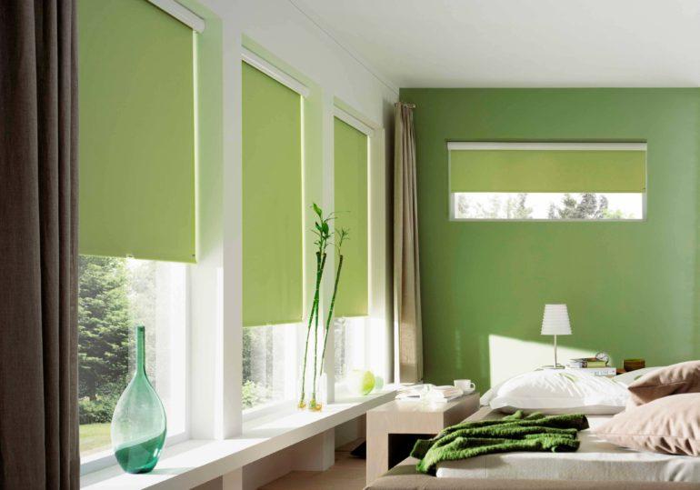 Зеленый цвет для оформления спальни лидер среди других оттенков по мнению психологов. Оттенок весенней листвы успокаивает раздражительных людей и помогает полноценно отдохнуть
